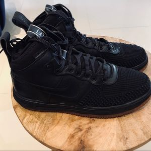 EUC Nike Lunar Air Force 1 Duckboot black gum sole